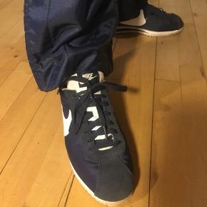 Nike sneakers - str 41 måler 26 cm