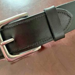 Håndlavet bælte Fremstillet af forpart læder Bredde og Længde tilpasses efter ønske