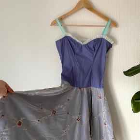 Specialized kjole
