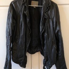 Muubaa jakke