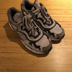 Adidas Originals Temper Run sneakers. Str. 44 2/3. Nypris 1100 kr.