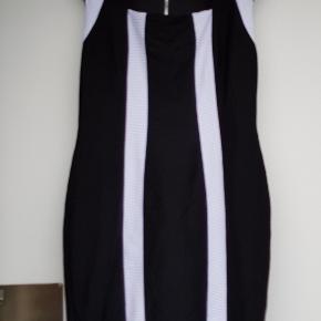 Joseph Ribkoff kjole