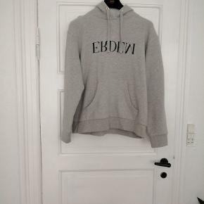 ERDEMxH&M hoodie str. m Aldrig brugt.  NP: 500, MP: 250