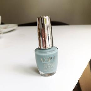 Sælger denne helt nye OPI 'ring bare-er' neglelak, da den på ingen måde viste sig at være min farve. Dvs, den har været brugt én gang👍🏼☀️  Købt for 150kr, sælges for 100kr  Sender ikke, men kan afhentes i Århus C ☀️