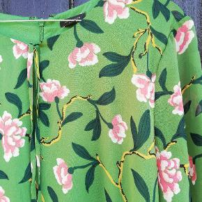 Flot kjole fra Ann Taylor