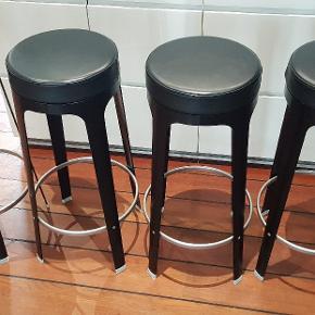6 stk lapalma designer stole. 1000 kr/stk eller alle 6 for 5000 kr. Højde: 75.5 cm  Fejler intet.