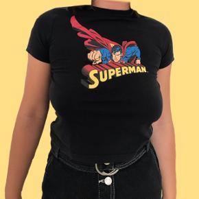 Superman baby tee str. S-L  Sender med DAO Bytter ikke  Køber betaler for fragten