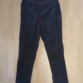 Sorte fløjlsbukser med elastik i taljen