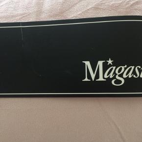 Magasin Sengetæppe i mikrofiber, lys rosa, 230x260 cm. Aldrig brugt..