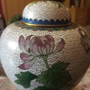 Sælger min vidunderlige  vase med låg 👌