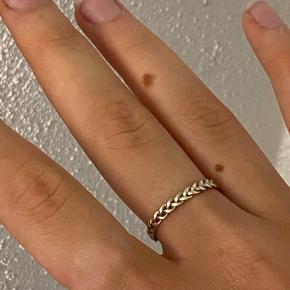 Small braided ring, forgyldt sterlingsølv, str. 56💛💛