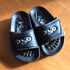 H2O sandaler. Næsten ikke brugt.