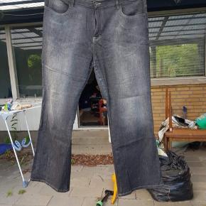 Grå jeans