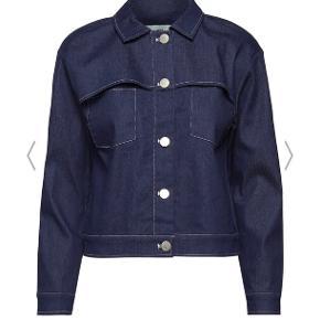 Moves by Minimum Trisa jakke Brugt 3 gange. Fejler intet. Nypris 600 kr