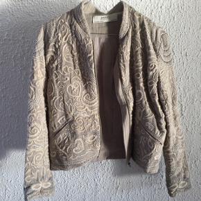 Zara jakke - smid et bud 😊 Str. 36.