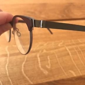 Lindberg Strip Titanium 9800 briller /brillestel.  Brugt i kort tid og absolut fine som nye.  Nypris 3200.  Bytter ikkez