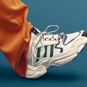 """Adidas OriginalsNAKED x adidas Consortium Magmur Runner """"F&F  Aldrig brugt. Fremstår derfor helt nye."""