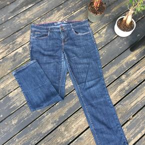 Slim Tom Tailor Dark Blue Jeans - semi-thin, more suitable for autumn months.   Good conditions, used.