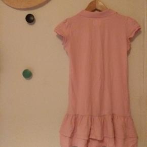Fin lyserød polo t-shirt kjole fra H&M LOGG brand.
