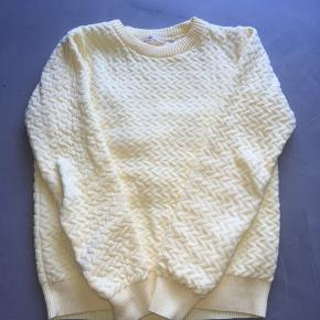 Basic Apparel bluse