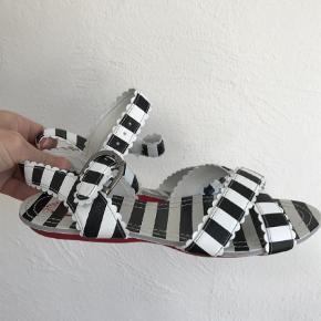Varetype: Sandaler Farve: Sort Hvid