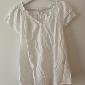 Sunrise bluse i hvid fra Co'couture, brugt to gange. Super pæn stand 🌸  - bytter ikke 💛