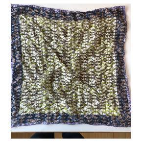 Tørklæde i 100 % bomuld fra det danske design Épice (Bess Nielsen og Jan Machenhauer)
