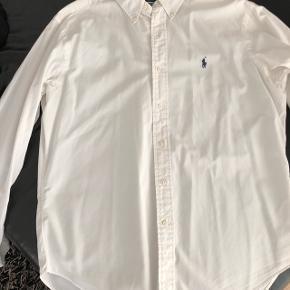 Se mine annoncer for flere Ralph Lauren skjorter 😊  Hvid.