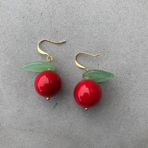 Varetype: Forgyldte æble øreringe  Størrelse: - Farve: Multi