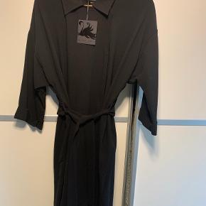 Black Swan trenchcoat