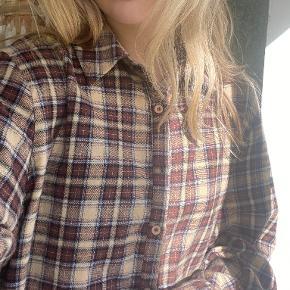 PrettyLittleThing skjorte