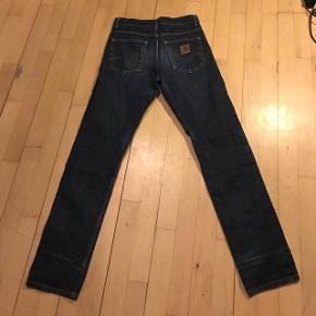 Hej.Sælger disse carhartt Jeans da jeg ikke passere mere :) Størrelse : W28 L32 Skriv til mig for flere billeder :)