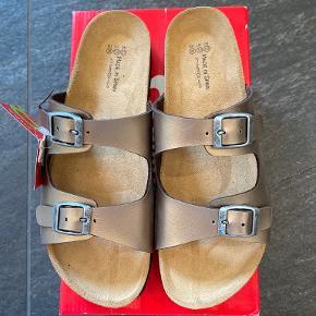 Billowy sandaler