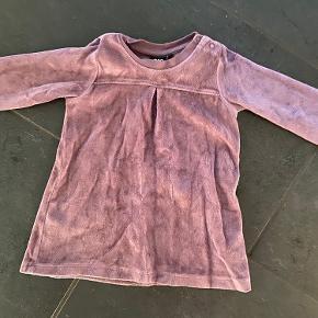 Fin kjole fra Hummel i str. 68 sælges.   Befinder sig i 6740 Bramming.