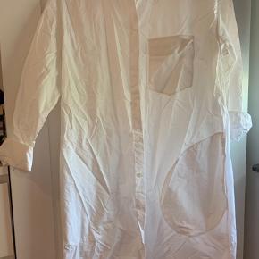 Poplin skjortekjole fra H&M.