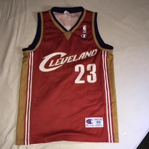 Lebron James basket Jersey.Stand er super fin