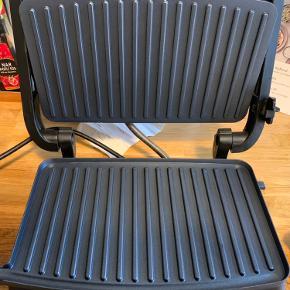 Panini grill / toaster sælges. Alene brugt en gang, men får den ikke brugt, derfor skal den have et nyt hjem.
