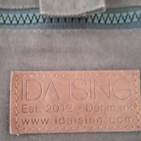 Ida Ising Pusletaske med puslepude og lommer til bleer mv.  Den har været uundværlig for os.