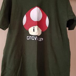 Forskellige T-shirts med tryk 20 kr pr. Stk.  Str. M / L   ( Sender kun ved køb af flere! )