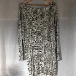 Super flot Moss Copenhagen kjole!! Str. Xs-s  Kun brugt 1-2 gange!! BYD BYD BYD!