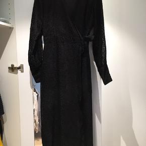 Style: velo dress. Ingen brugstegn