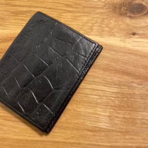 Mulberry kortholder, old school/vintage, sælges for kr.250.