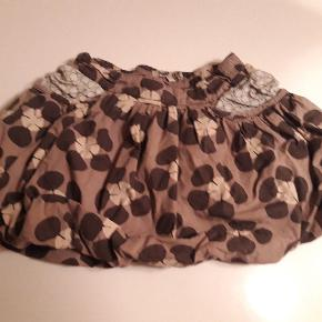 Pompdelux nederdel str 3/4 år Gmb Pris 25 kr pp MobilePay