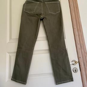 Mom-jeans fra Topshop i str. W28 L32.