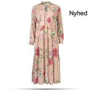 Meget meget smuk kjole fra Gustav. Kjolen er med lange ærmer, v-hals, bindebånd i hals og løs i figur. Kjolen er rosafarvet og med et smukt print.  Nypris kr. 2.200,00.  Brugt en gang og er som ny.   Farve: rosa Materiale: 96% viscose, 4% elastan Vaskeanvisning: max 30 grader