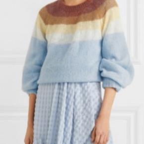 Helt ny strik / trøje fra Munthe. Styles hedder DINNER, og fås stadig i butikkerne. Materiale 32%Mohair 28%Wool 40%Nylon