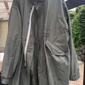 Newline Halo frakke
