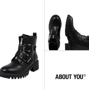 LA BOTTINE SOURIANTE støvler