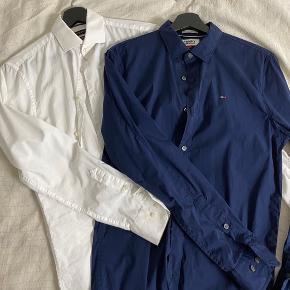 150 kr. pr skjorte eller 200 for dem begge