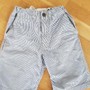 6 par fede drenge shorts str 10 år  blandet mærker  5 par kan justeres i livet   sælges samlet fast pris til kun 160 kr   afhentning på adressen i Hvidovre  Eller sender med Dao for 38 kr